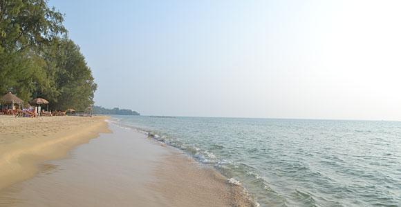 море на пляже Ган дау